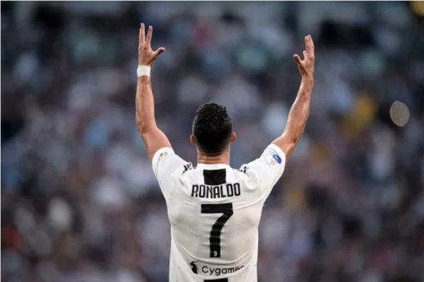 Sự thật không tưởng đằng sau việc Ronaldo rời Real Madrid