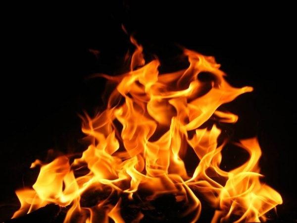 Chiêm bao mơ thấy lửa đánh con gì – Giải mã giấc mơ thấy lửa