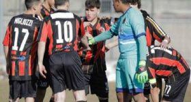 Tung 7 cầu thủ ra sân, CLB Italia thua đậm 0-20
