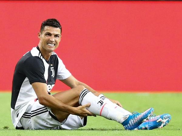 Juventus lo sốt vó về chấn thương bí hiểm của Ronaldo