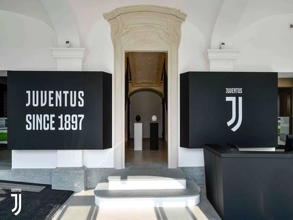 Juventus đưa ra thông báo khẩn về diễn biến nguy hiểm dịch corona