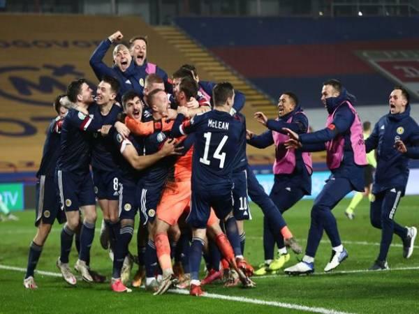 Tin bóng đá chiều 13/11: Scotland dự EURO 2021 sau hai thập kỷ