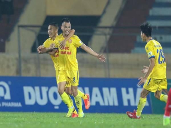 Tin bóng đá VN chiều 12/11: Nam Định chính thức chia tay trụ cột thứ 2