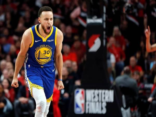 """Stephen Curry là ai? Thông tin về """"Messi của bóng rổ"""""""